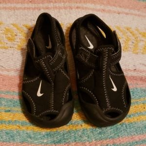 Nike Water Shoes 7c